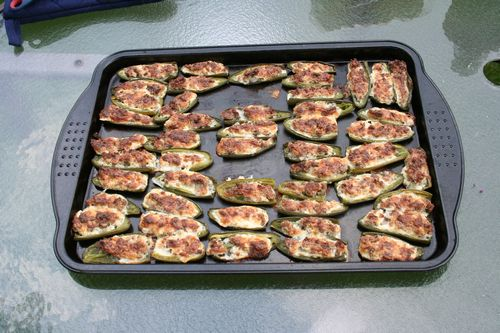 Stuffed jalepeno peppers